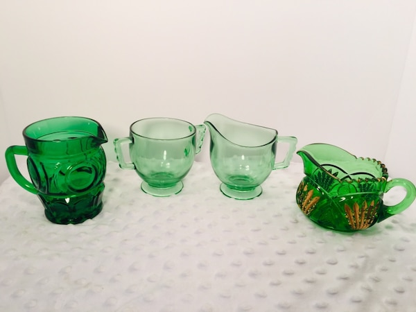 Vintage 4 pc Forrest Green Glass Creamer & Sugar Bundle 77521f21-a679-4baa-9c00-317545fafe17