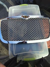 4 2005 and up Chrysler 300 or Dodge Challenger or charger Grill Suitland-Silver Hill