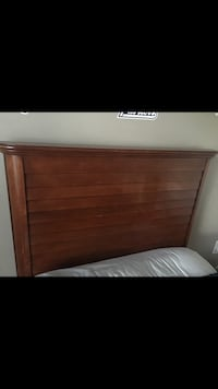 Twin bed with mattress  Weston, 33331