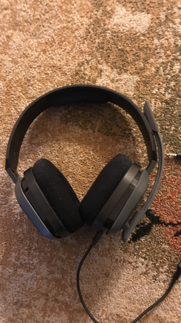 Gray corded headset