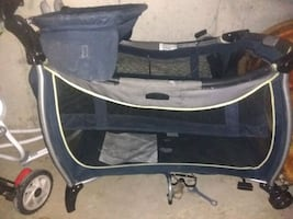 Baby bassinet *without mattress*