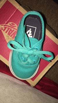 pair of green low top sneakers Las Vegas, 89115