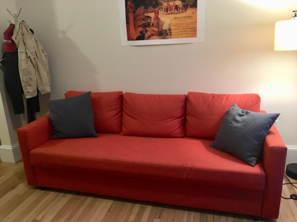 Pleasant Big Comfy Red Couch Pulls Out Into A Bed With Storage Pdpeps Interior Chair Design Pdpepsorg