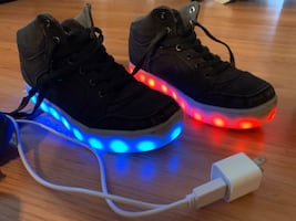 Lightening chargeable  shoes