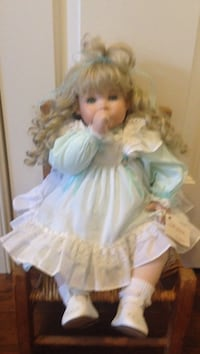 Porcelain and cloth doll Lakeland, 38002
