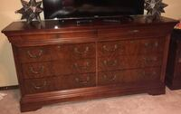 Brown wooden 3-drawer chest Oklahoma City, 73162