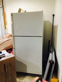 white top-mount refrigerator Hamilton, 20158
