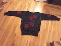 black and pink floral sweater Kamloops, V2B 1J9