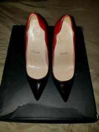 pair of women's black and red pumps Clinton, 20735