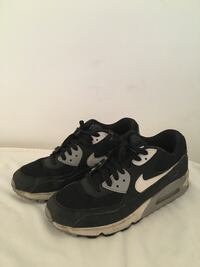 pair of black-and-white Nike Air Max low-top sneakers Coquitlam, V3J 7H4