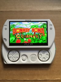 PSP Go White Like New With 5,000+ Games & Movies