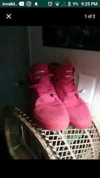 pair of pink high-top sneakers Port Orchard, 98367