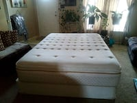 Queen mattress and box Springs Charlotte, 28215