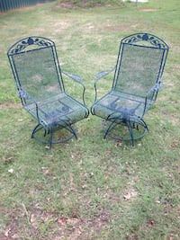 Two swivel wrought iron chairs Denison, 75021