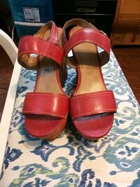 Sz 11 womans wedge sandals Baltimore, 21207