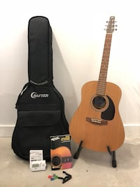 Seagull S6 Original Acoustic Guitar + Case + Stand and more Montreal
