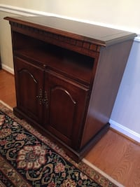 CHERRY TV TABLE AND CABINET Reston, 20194