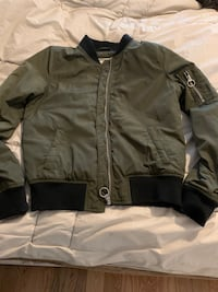 Garage jacket Pickering, L1V 6T9