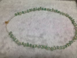 Emerald-pearl necklace