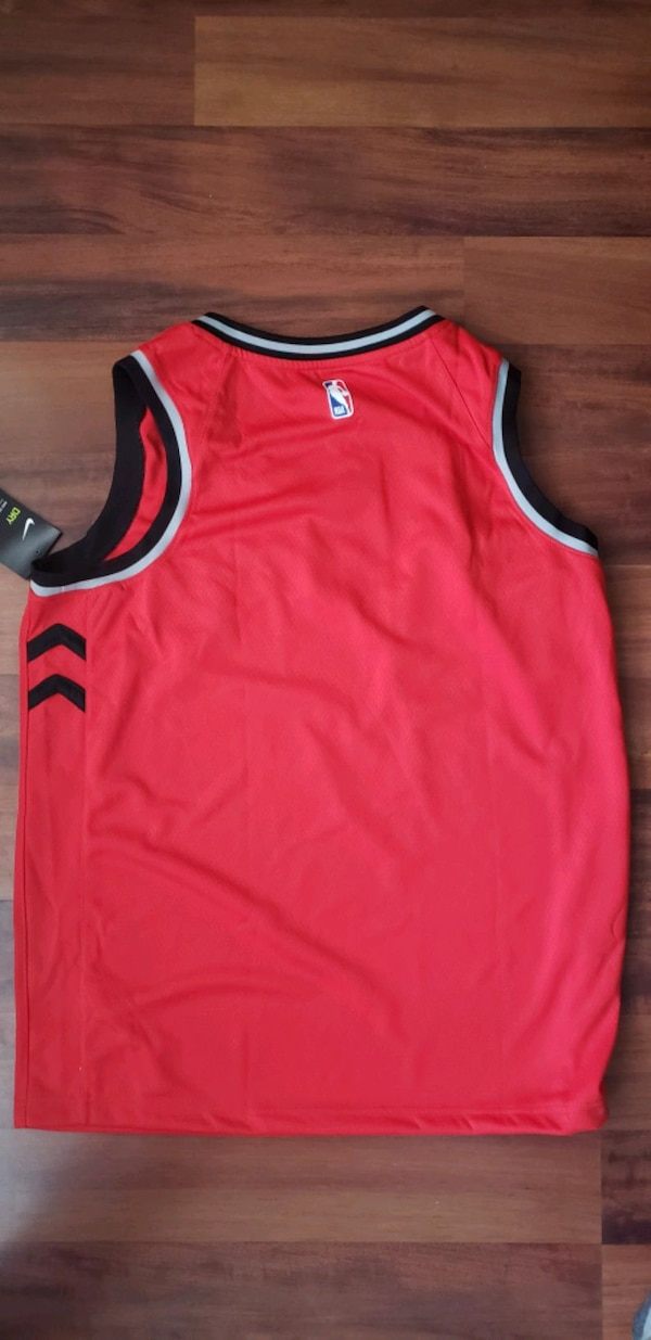 Raptors Jersey - Authentic new with tags 38927bbf-3e15-4fdd-bb0e-84d50e2691b2