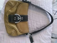 coach purse like new in good condition no rips  Vancouver, V5T 3J7