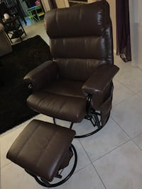 black leather padded rolling chair Las Vegas, 89149