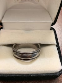 Edward Mirrell titanium band ring