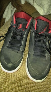 boys 3y jordans on very good condition  Windsor