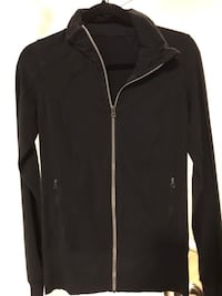 Lululemon women's black zip-up size 6 Toronto, M4P 1R2
