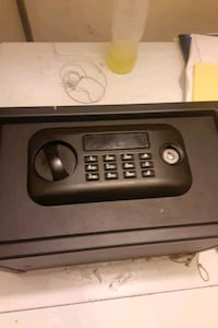 Digital safe with key also Capitol Heights, 20743