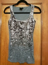 Women's grey sleeveless top