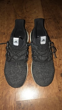 ultra boost size 11.5 almost ds  Buda, 78610