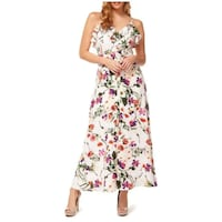 nwt Floral Maxi Dress white M  Burnaby