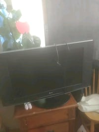 black flat screen lg tv Toronto, M6M 3A3