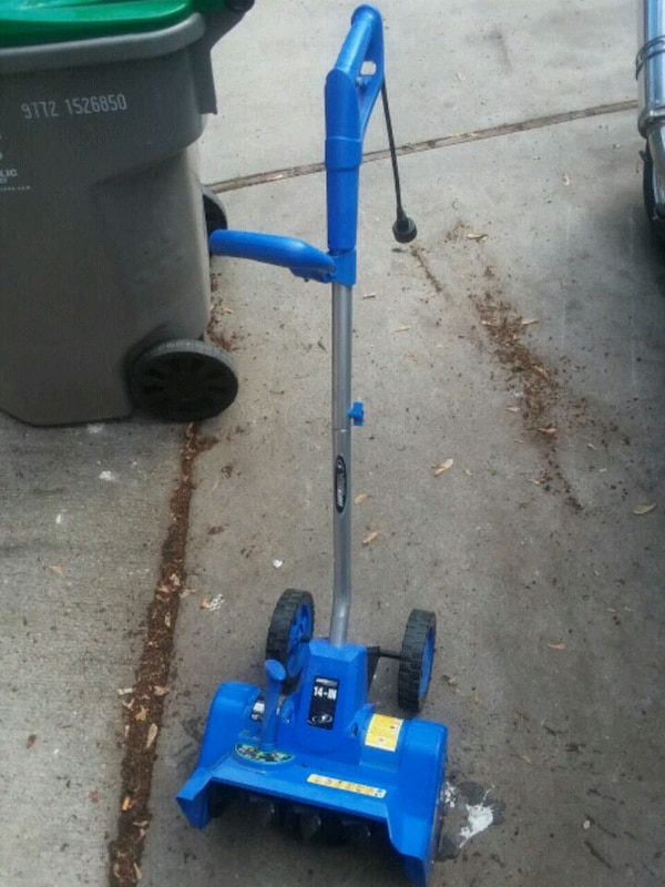 "14"" electric snow blower works great"