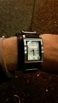 square silver-colored analog watch with link bracelet 3750 km