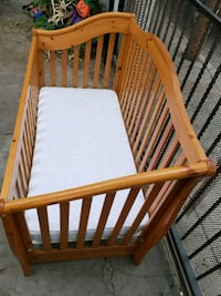 baby's brown wooden crib Los Angeles, 90001