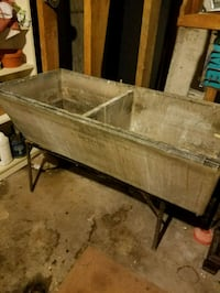 1950's cement laundry sink Barrie, L4M 1R9