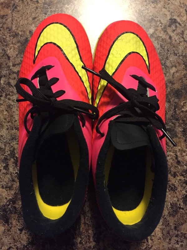 9bce654bf Used Nike Indoor Soccer Cleats for sale in Milton - letgo