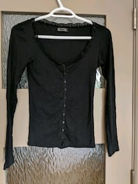 Button up long sleeves v-neck with some lace thin shirt size small  Calgary, T2E 0B4