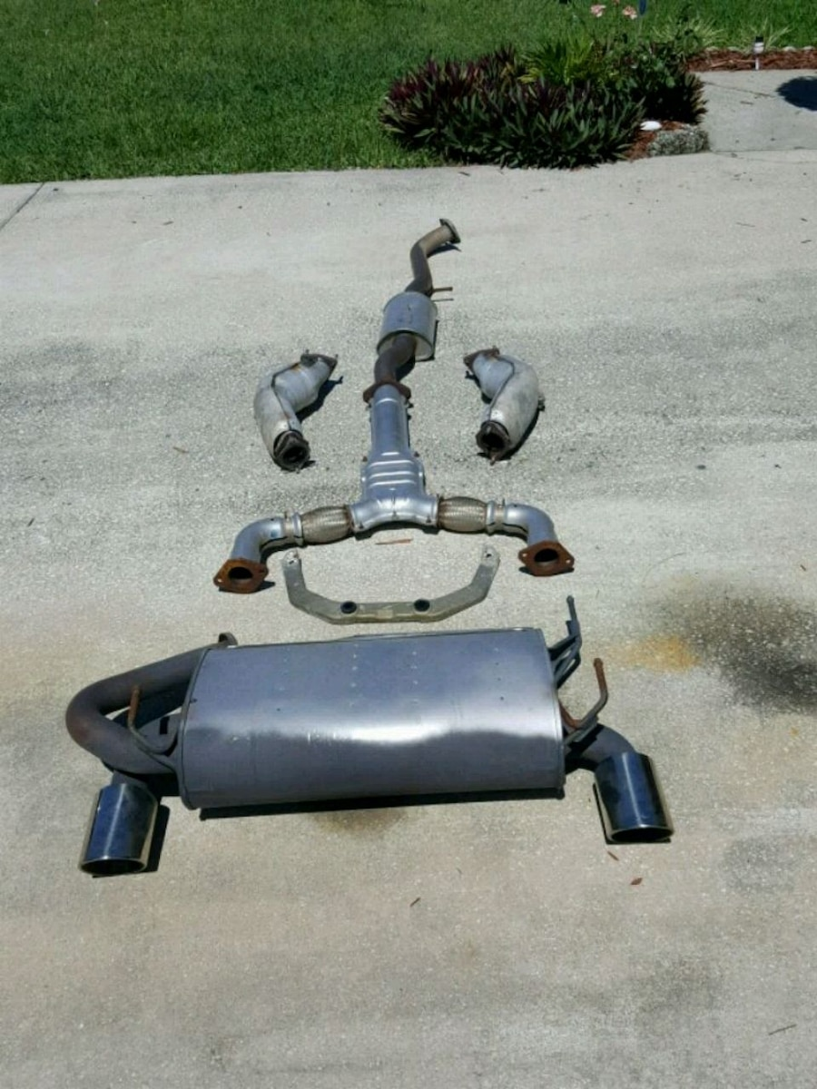 Photo Nissan 2006 350z OEM Complete Exhaust System