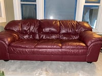 Really great condition. Leather burgundy couch. East Palo Alto, 94303