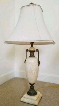 brown and white table lamp Centreville, 20121