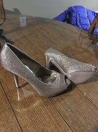 Jessica Simpson Size 9   10 each  Harpers Ferry, 25425