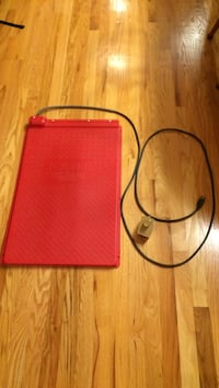 """Pet 18"""" x 28"""" heat mat by kane manufacturing. Rheostat control included. Excellent condition. West Des Moines, 50265"""