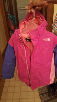 OBO...Girl's Size 5 North Face Winter Coat Simcoe, N3Y 4K4