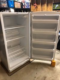 Maytag Upright Freezer 42 km