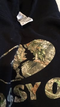 Mossy oak sweater XL London, N5W 2C7