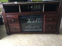 brown wooden 2-door cabinet Calgary, T2E 8H1