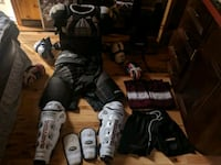 Men's med/large full set of hockey equipment  Edmonton, T5H 2R8